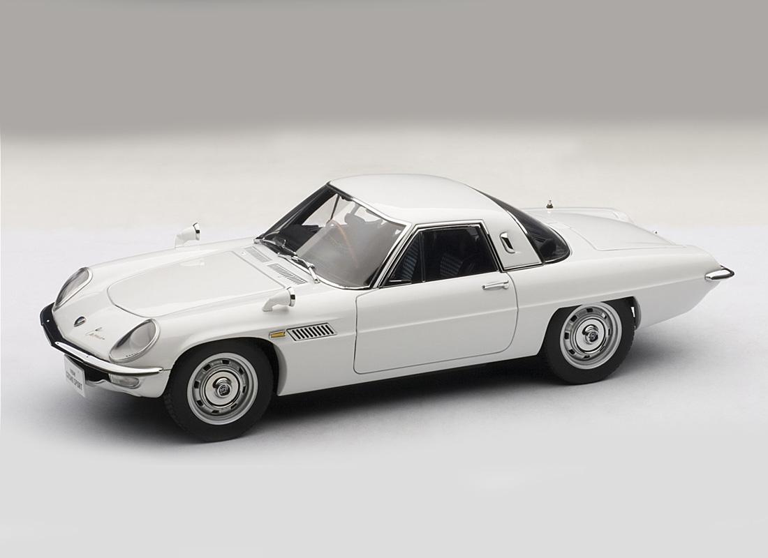 MAZDA COSMO SPORT WHITE 1:18 DIECAST MODEL CAR BY AUTOART 75931